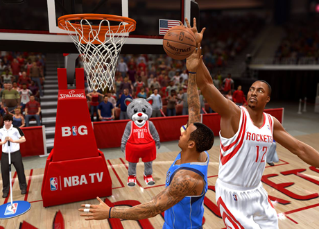 Dwight Howard blocks a shot in NBA Live 14