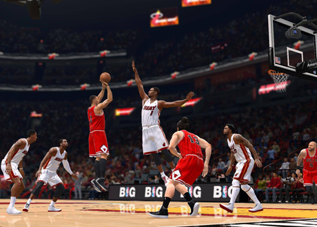 Derrick Rose shoots the jumpshot over Chris Bosh in NBA Live 14