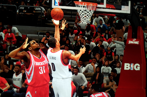 Damian Lillard with the lefty layup in Lamrock's NBA 2K13 Association