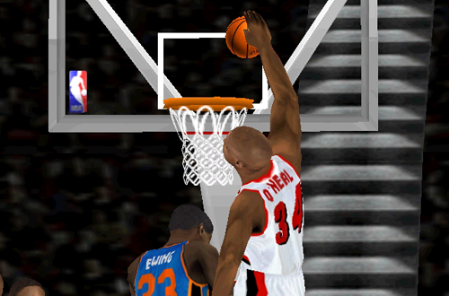 Shaquille O'Neal on the Portland Trail Blazers in NBA Live 2000