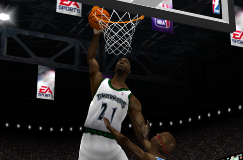 Kevin Garnett dunks in NBA Live 2001