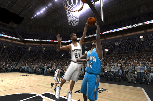 Tim Duncan blocks Dwight Howard in NBA Live 2005