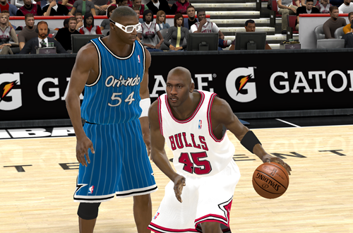 Michael Jordan drives past Horace Grant (NBA 2K11)