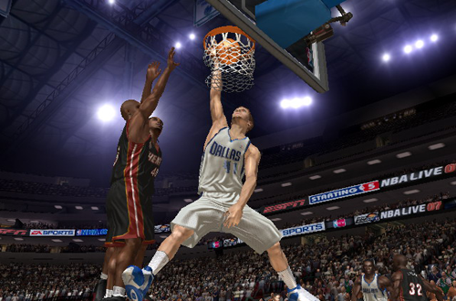 Dirk Nowitzki dunks in NBA Live 07