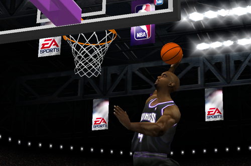 Chris Webber dunks in NBA Live 2001