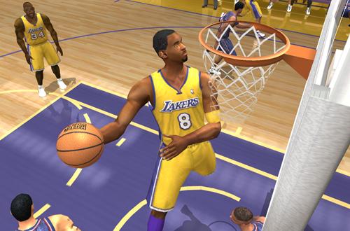 Kobe Bryant dunks in NBA Live 2003
