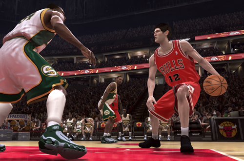 Kirk Hinrich handles the ball in NBA Live 08